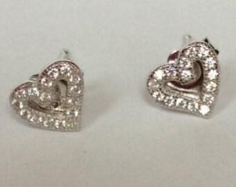 100% 925 Sterling Silver Simple Quaint Heart Rhinestoned Stud Earrings