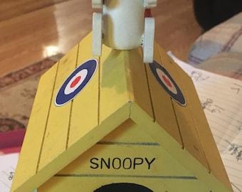1968 snoopy music box