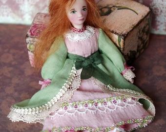 Tiny souvenir doll - handmade miniature doll Leola, OOAK mini doll, pocket doll, dollhouse dolls, princess, gifting - 5 inch