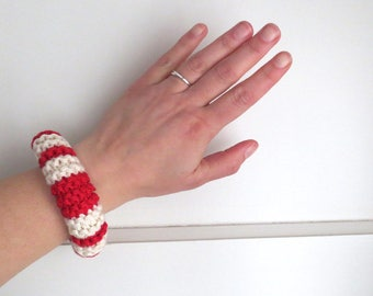 Knitted cotton bracelet in red and off-white - navy stripes - marine look - own design