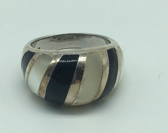 Vintage Onyx & Mother of Pearl Sterling Silver Dome Ring Size 8