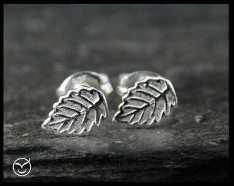 Tiny leaf stud earrings. Sterling silver 0.925. Posts earrings. Handmade. 158