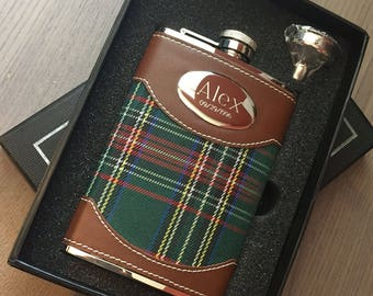 Personalized Flask Set, 8oz Stainless Steel Plaid  Hip Flask, Groomsmen Gift, Birthday Flask, Anniversary Gift, Graduation Gift VSET34-1330