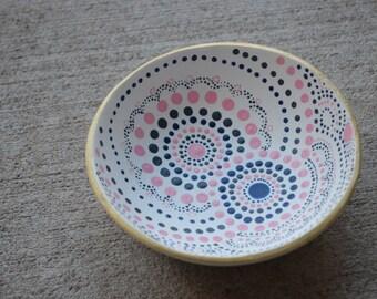 Dot art ring dish