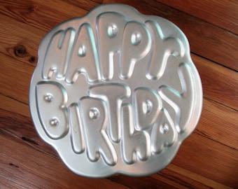 Vintage Wilton HAPPY BIRTHDAY Cake Pan Cake Form~Retro 1980 Wilton Cake Pan502-2405~Vintage Bakeware Baking Pan Wilton Cake Pan