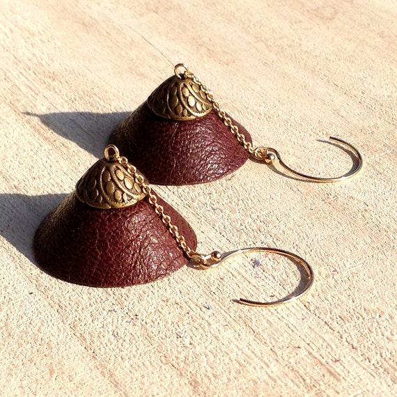 "Stud Earrings in 14K gold, dome TEEPEE - Collection ""Indian summer"" brown leather"