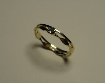 Yellow gold stack ring with diamond