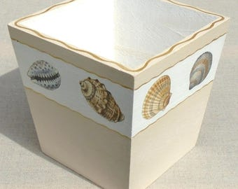 Planters square wood decorated with shells