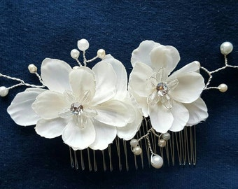 Bridal Hair Comb, Wedding Comb, Decorative Comb, Floral Wedding Comb, Rhinestone  Bridal Comb, Ivory Pearls Comb, crystal bridal comb, comb