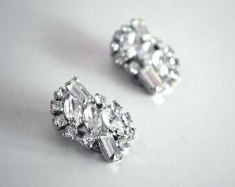 Vintage Rhinestone Earrings, Art Deco Earrings, Glam Silver Tone Metal, Wedding Jewelry, Costume Jewelry, White Rhinestone Clip on Earrings