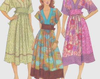 Womens Pullover Hippie Boho Dress V Neckline Kimono Sleeves OOP McCall's Sewing Pattern M5137 Size 6 8 10 12 Bust 30 1/2 to 34 UnCut