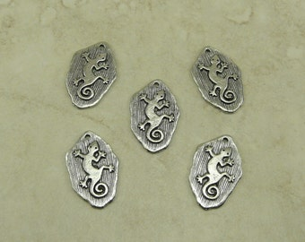 5 Small Petroglyph Lizard Charms  > Reptile Cave Drawing Native Spiral Tail Doodle - American made Lead Free Pewter - I ship internationally