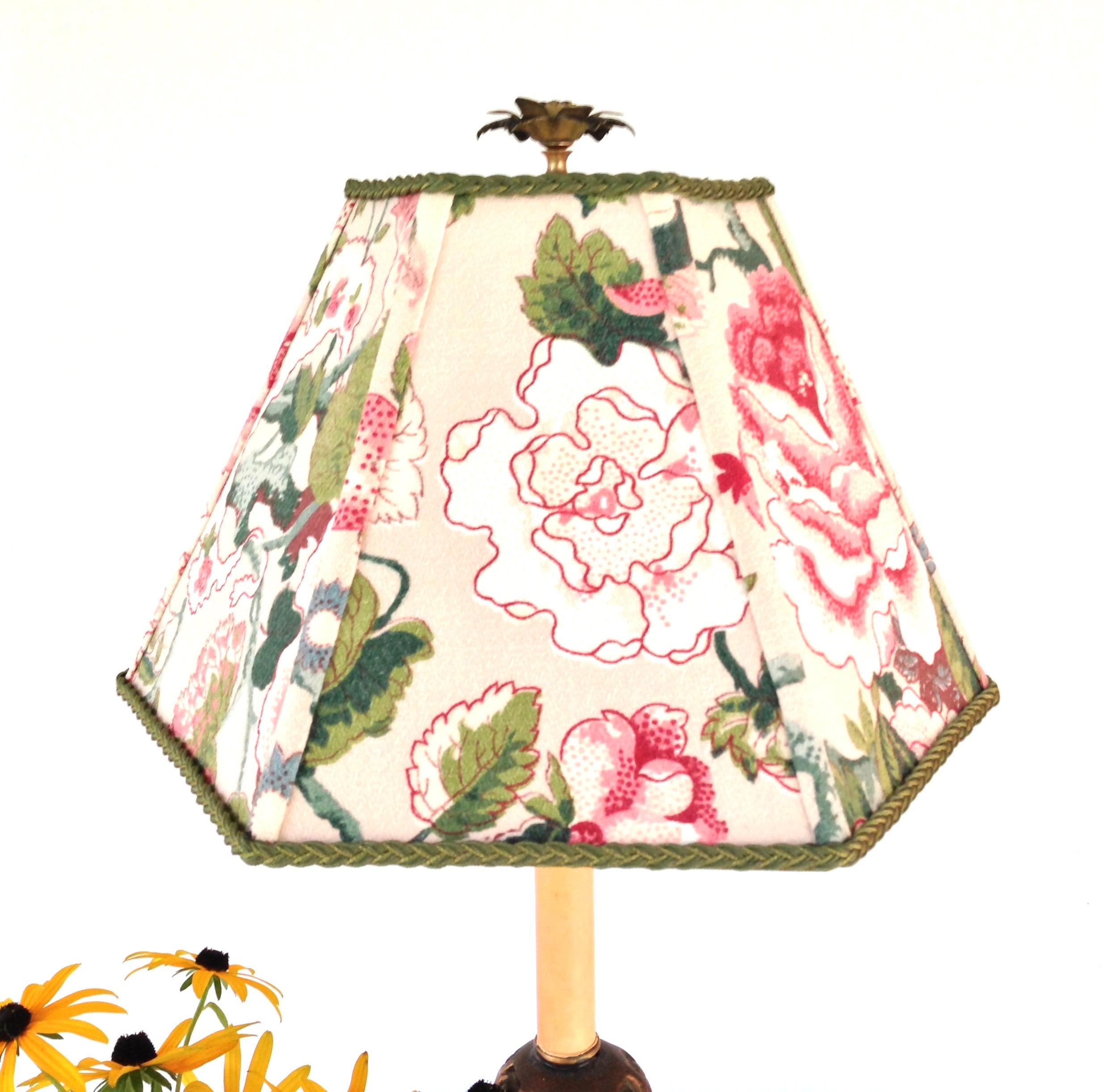 abat jour de tissu fleuri rose et vert lampe abat jour. Black Bedroom Furniture Sets. Home Design Ideas