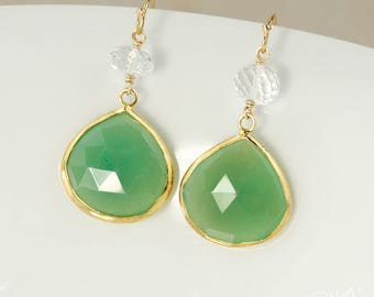 Chrysoprase vert doré en forme de larme boucles d'oreilles - perles de cristal de Quartz - 14Kt GF, menthe vert boucles d'oreilles