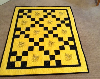 Bumble Bee quilt, baby, toddler size
