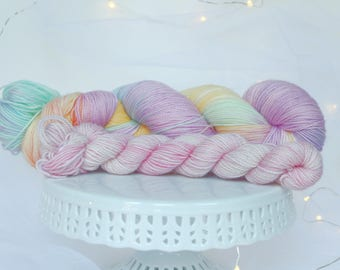 CANDY HEARTS Sock Kit / Hand Dyed Sock Yarn + Contrast Mini Skein / Variegated / Superwash Merino + Nylon / 2 Ply / 120g Skein / 547 Yards