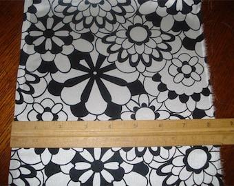 100% Silk Charmeuse Prints - Pinwheel Black/White