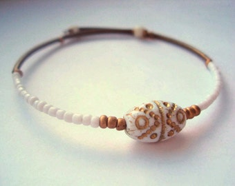 Eco Friendly Minimalist Bracelet Gold and White