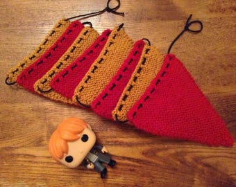 Gryffindor Knitted Bunting (8 Pieces)