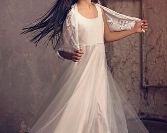 Flower girls Wedding Shawl, Ivory Crochet Shawl, Wedding Shawl Bridal Shawl, Bridesmaid Lace Shawl, boho wedding