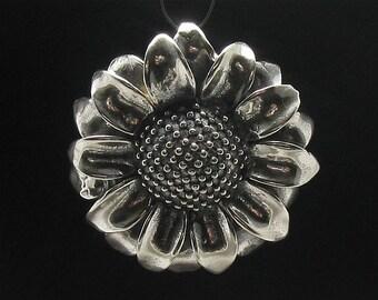 PE000572  Sterling silver pendant  huge sunflower  925