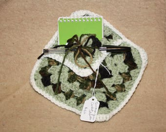 Crochet note pad holder (for on)