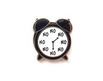 Black No O'Clock Pin, Enamel Pin, alarm clock, gold metal, hard enamel, brooche, clock