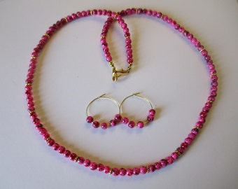 Marbled fuschia beaded necklace with matching pierced earrings - # 500