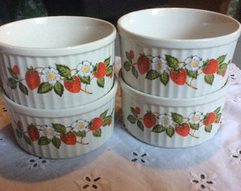 Sheffield Strawberries N Cream Stoneware Dessert Bowls Custard Cups 10 Ounces