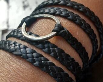 Bracelet en cuir Zyanya, tressé en cuir Bracelet, Eternity Ring cuir collier, Boho Multi Wrap Eternity bijoux Bracelet discret