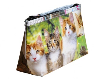 Makeup case cat lovers, FREE SHIPPING, vegan case, eco-friendly makeup bag, sustainable purse, recycled gifts, ethical gifts