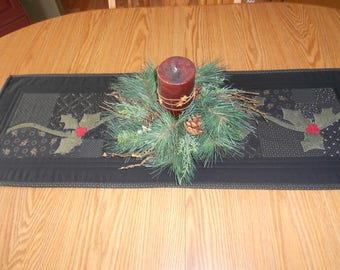 Christmas Table Runner/Primitive Table Runner/ Holiday Table Runner/ Country