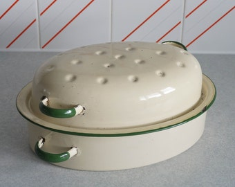 Vintage Enamel Oval Roaster Roasting Pan Cream and Green 32 x23 x 13cm