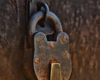 Vintage Style Antique Old Padlock with Keys
