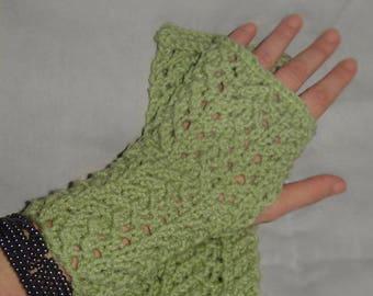 Lace Wrist Warmers/ fingerless gloves knit pattern