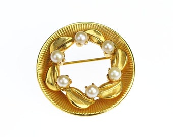 Vintage Leaves Brooch with Faux Pearls Gold Tone Circle Pin