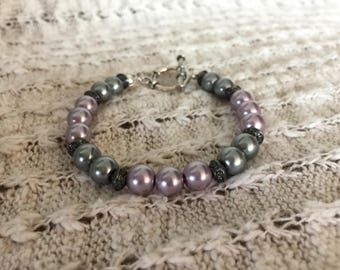Dusty purple and gray pearl bracelet