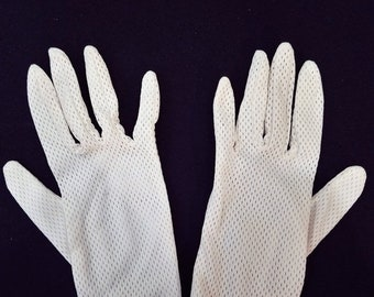 ON SALE Vintage Ivory Gloves with Elastic Wrist
