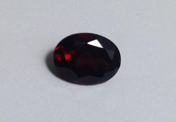 1.25 Ct Garnet Oval Cut