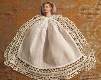 Amazing Linen and Lace Jabot