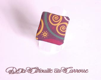 Multicolored ethnic pattern cabochon ring