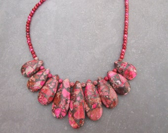 Ladies Graduated Beaded Necklace