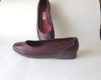 Vintage Wine Leather Flats by Rockport Size 8N