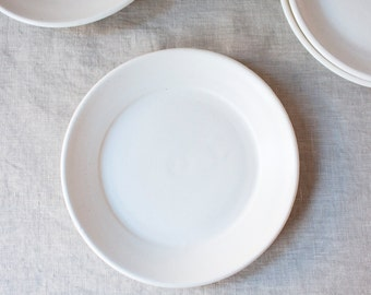White Pottery Dish  |  Modern Ceramic Plate  |  Dessert Plate  |  Trinket Dish  |  Pottery Ring Dish  |  Jewelry Dish  |  Butter Plate
