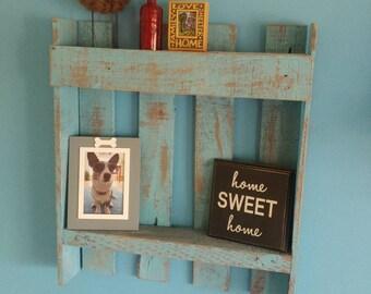 Qtr pallet wall shelf