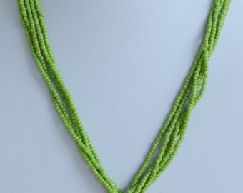 "Pretty Vintage Shell Pendant, Peridot Green Glass Beaded Necklace, 18"", Beach (O14)"