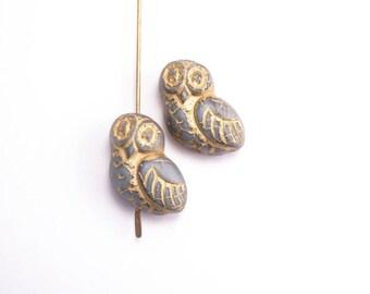 Grey Owl Czech Glass Beads, (4 pcs) 17x15mm Owl Beads, Grey Owl Beads, Glass Owl Beads, Bird Beads, Animal Beads, Gray Owl Beads ANM0040