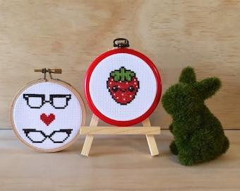 Kawaii Strawberry & Nerd Love Glasses Cross Stitch (Framed in Sealed Hoop 9cm)