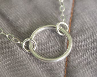 Minimalist Circle Necklace in Silver