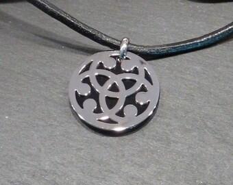 Pendant cross Celtic, Triskel - Triquetta steel and onyx